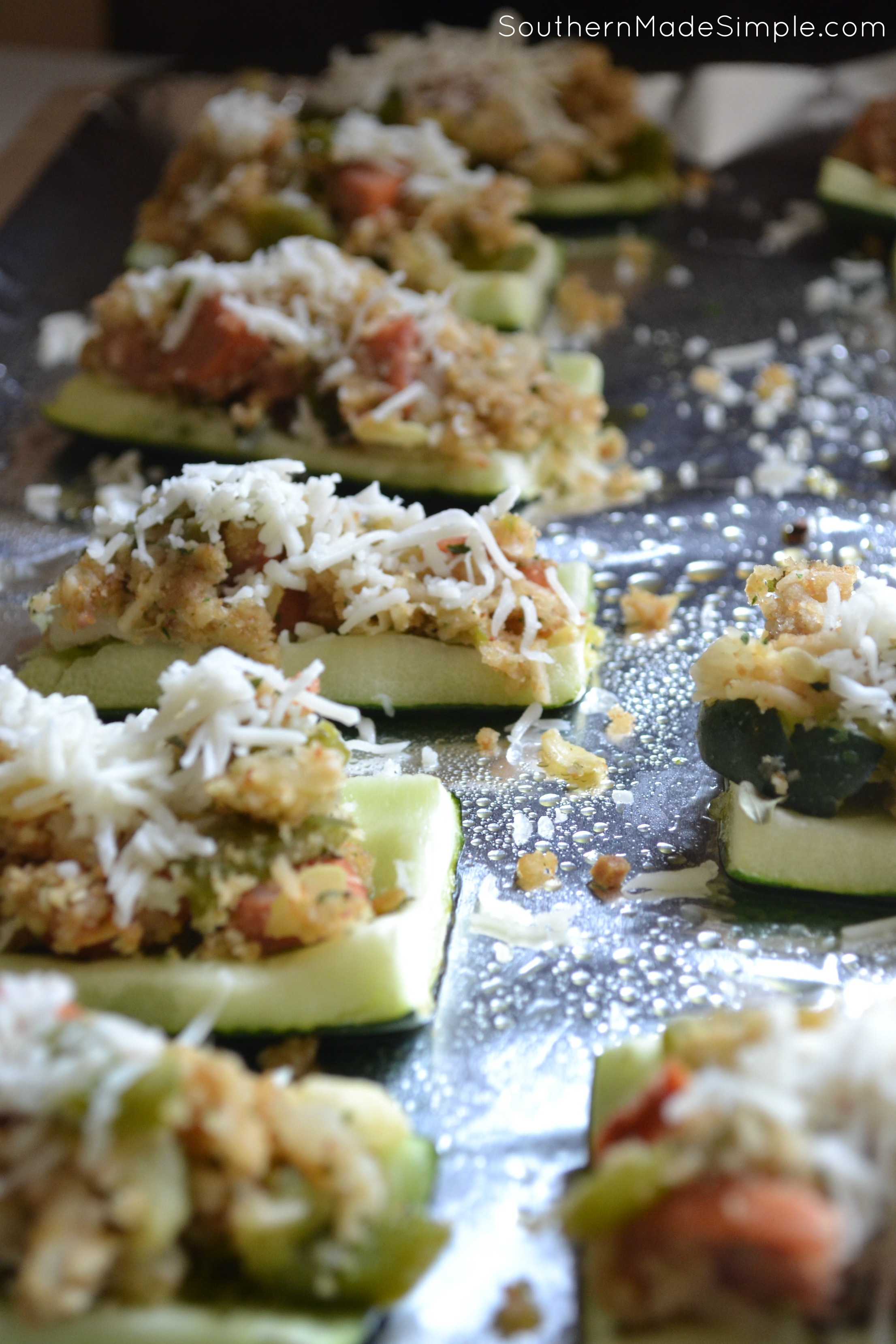 Looking for something new to do with Zucchini? These Cheesy Italian Zucchini Boats are a MUST make!
