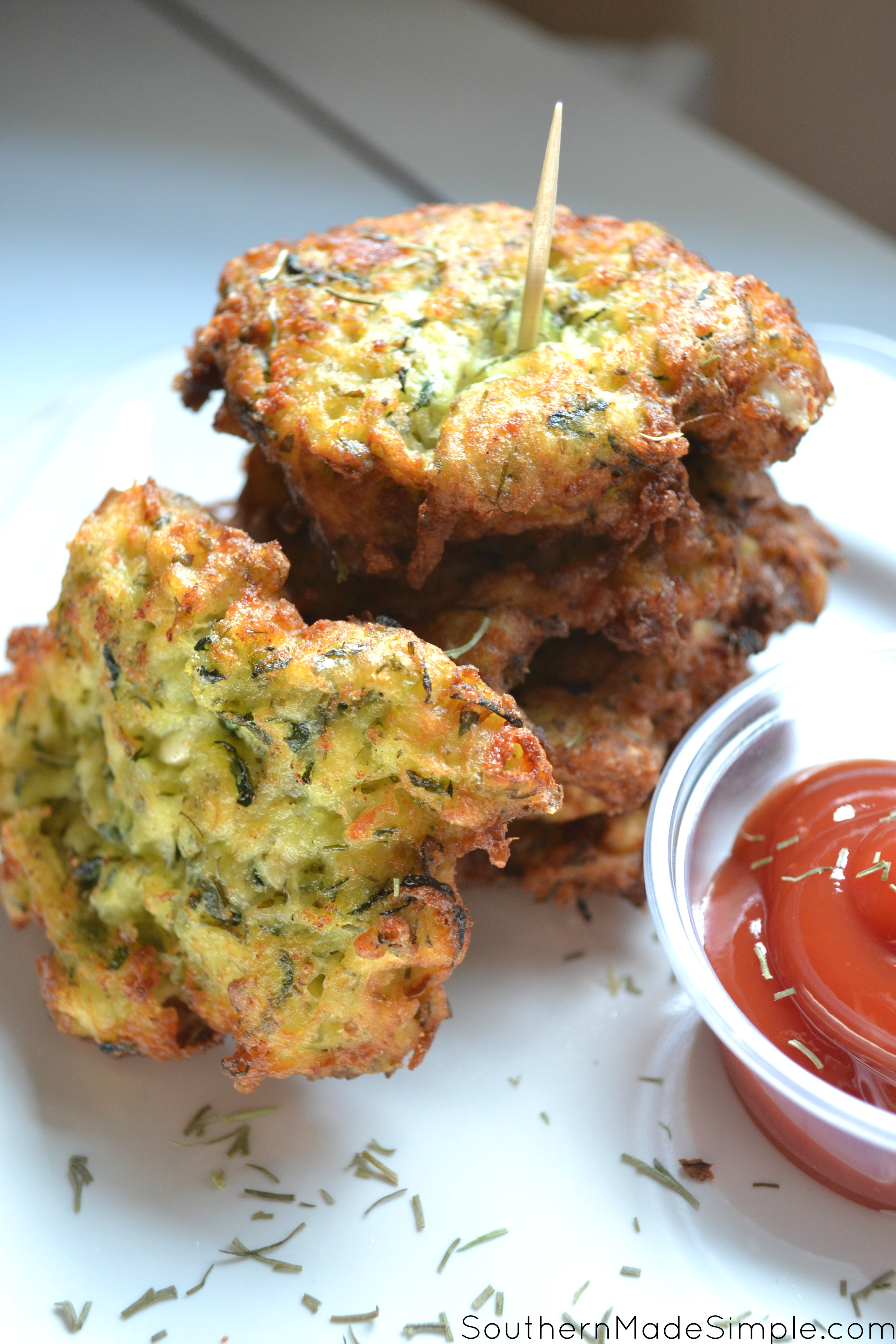Zucchini and feta cheese fritters - A scrumptious recipe that's perfect for using up all of that summer time zucchini!