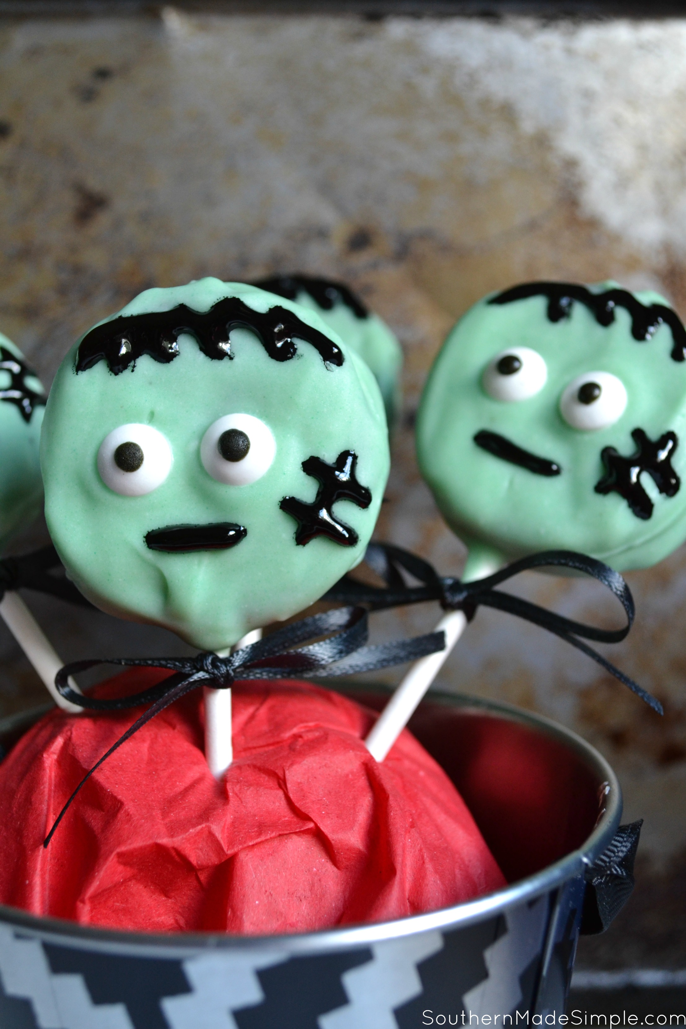 These freaky Frankenstein Oreo pops will surely be the hit of any Halloween party! They're easy to make, and even better to eat!