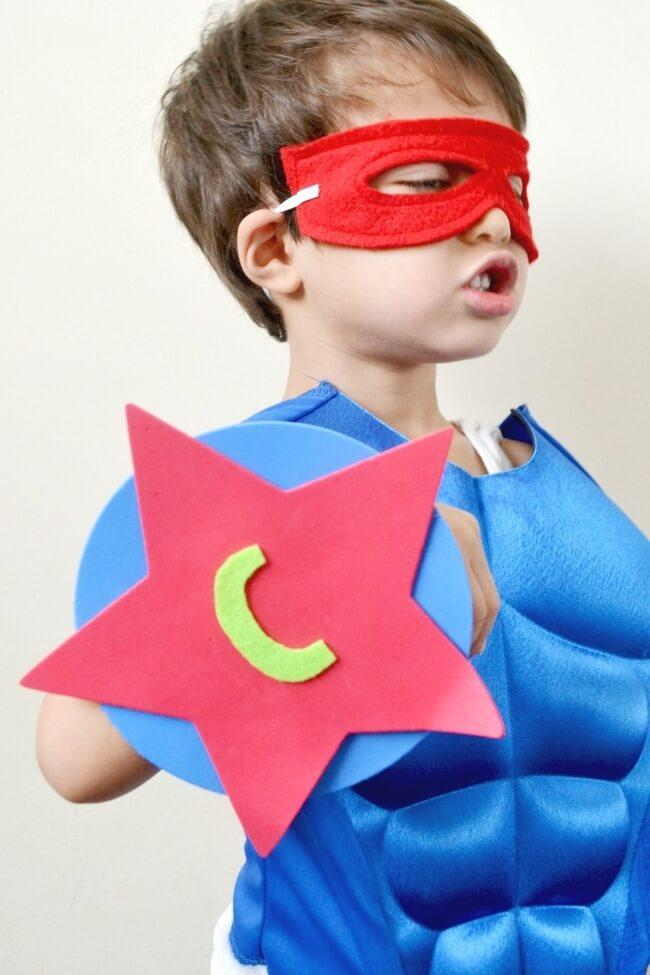 how-to-make-superhero-shield-party-ideas