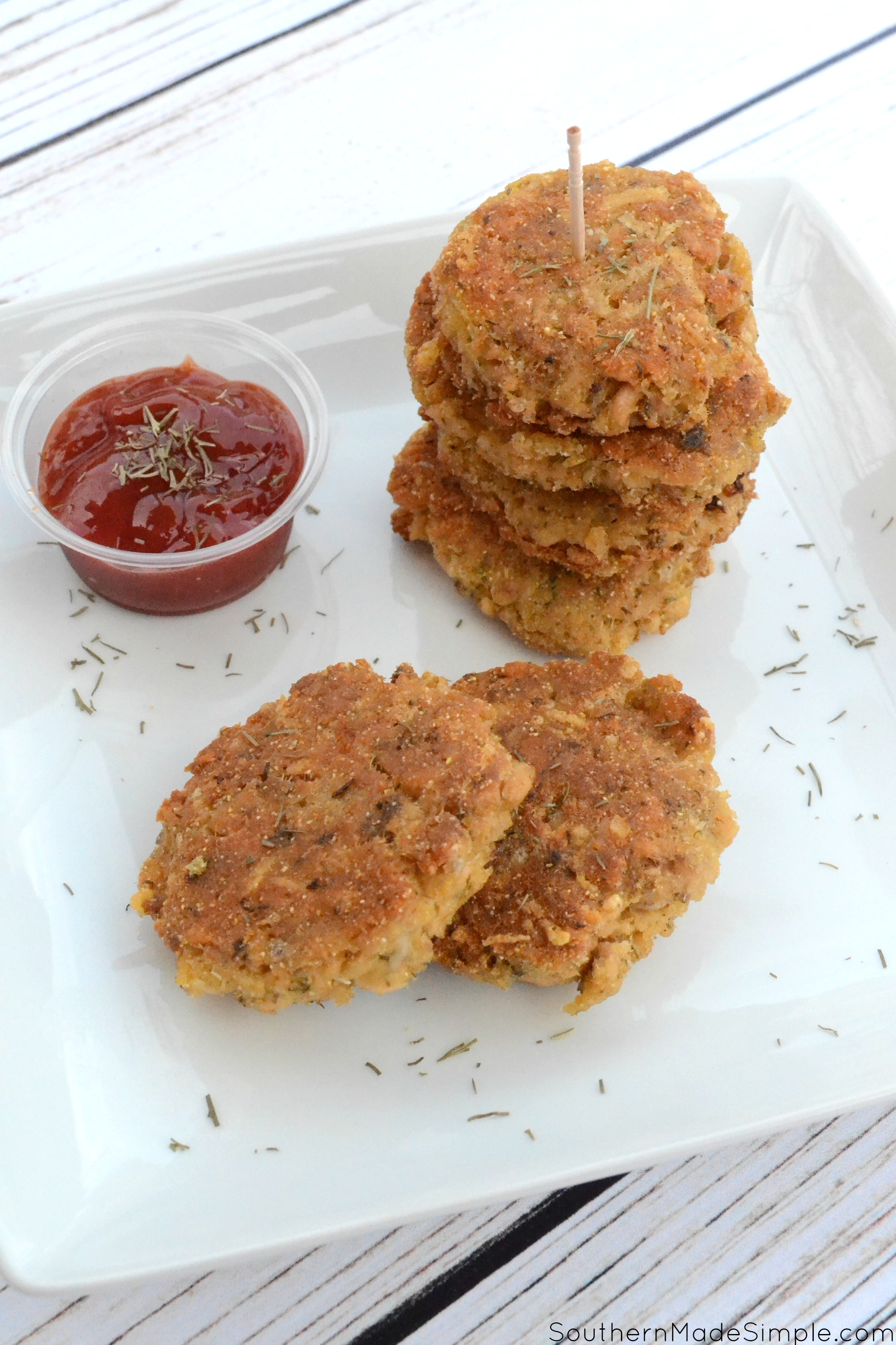 Southern Style Salmon Croquettes - a delicious meal that's easy to make, inexpensive and full of flavor the whole family will love!
