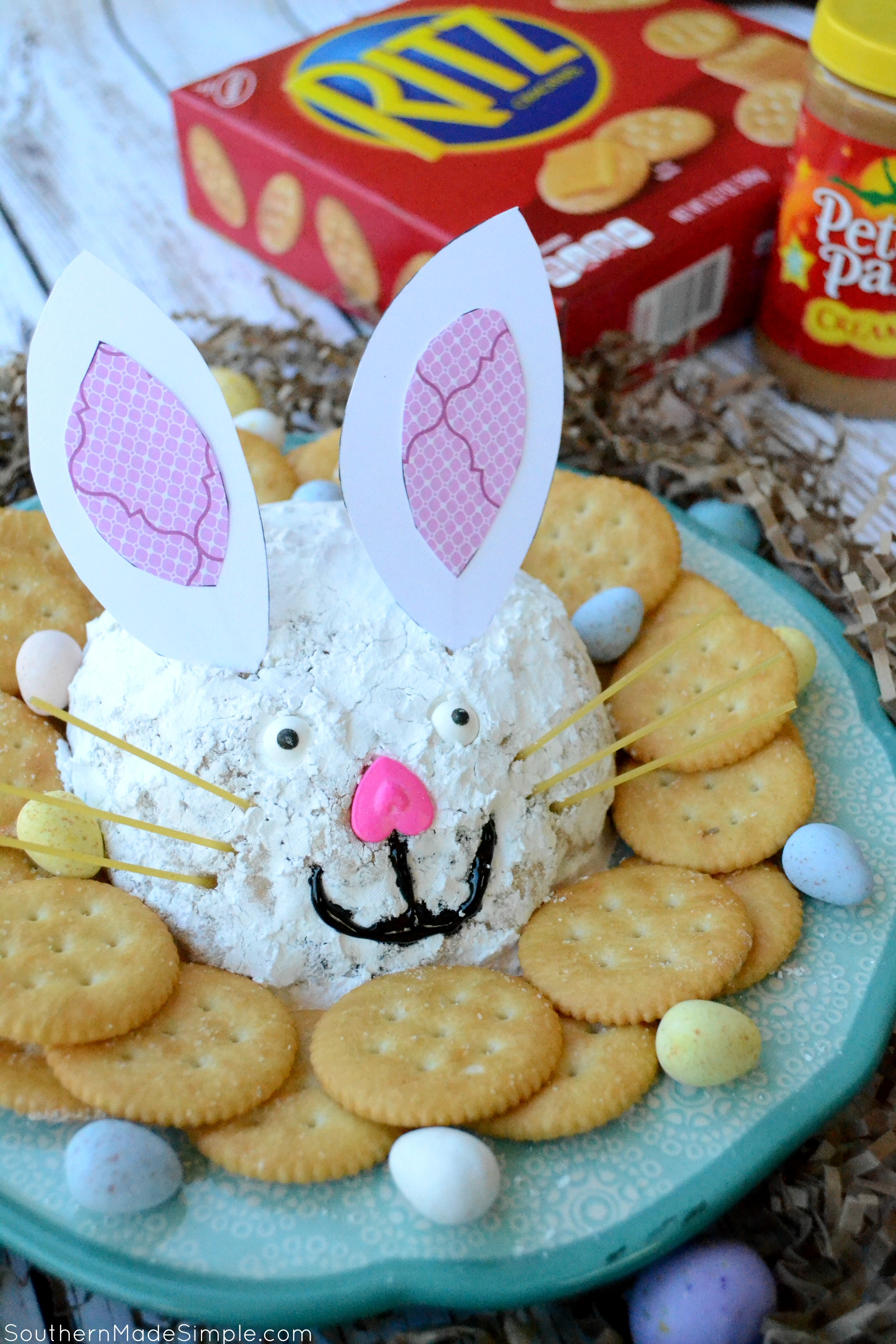 Looking for a quick sweet treat to share with others this spring? This easy Easter Bunny Peanut Butter Cheese Ball will make any gathering a hoppin' good time! #RITZpiration #ad Visit @Walmart in stores 4/15/17 for an in store demo, recipes and more!