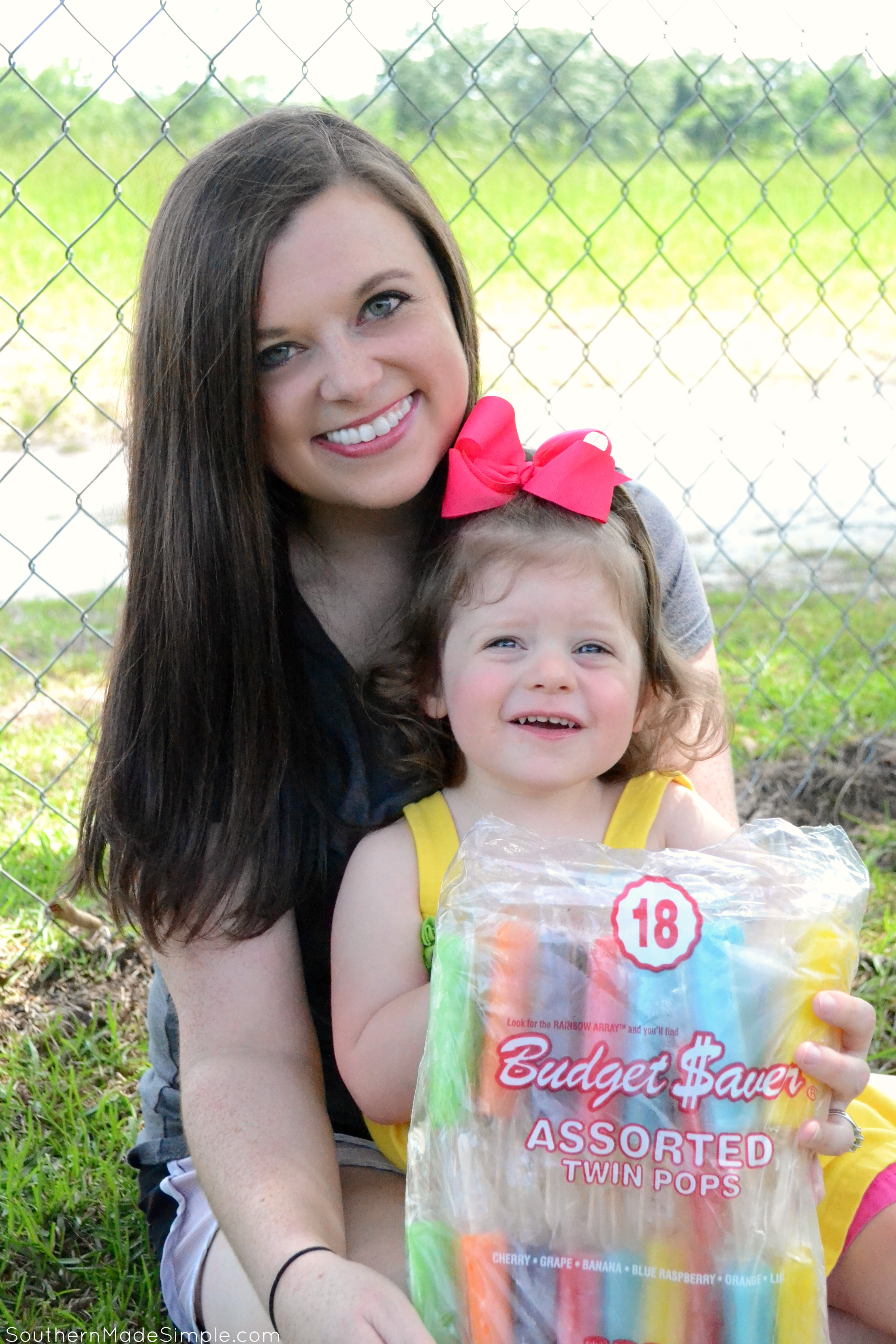 Creating Sweet Summer MOMents with Budget Saver Twin Pops #TwinPopsContest #IC #ad
