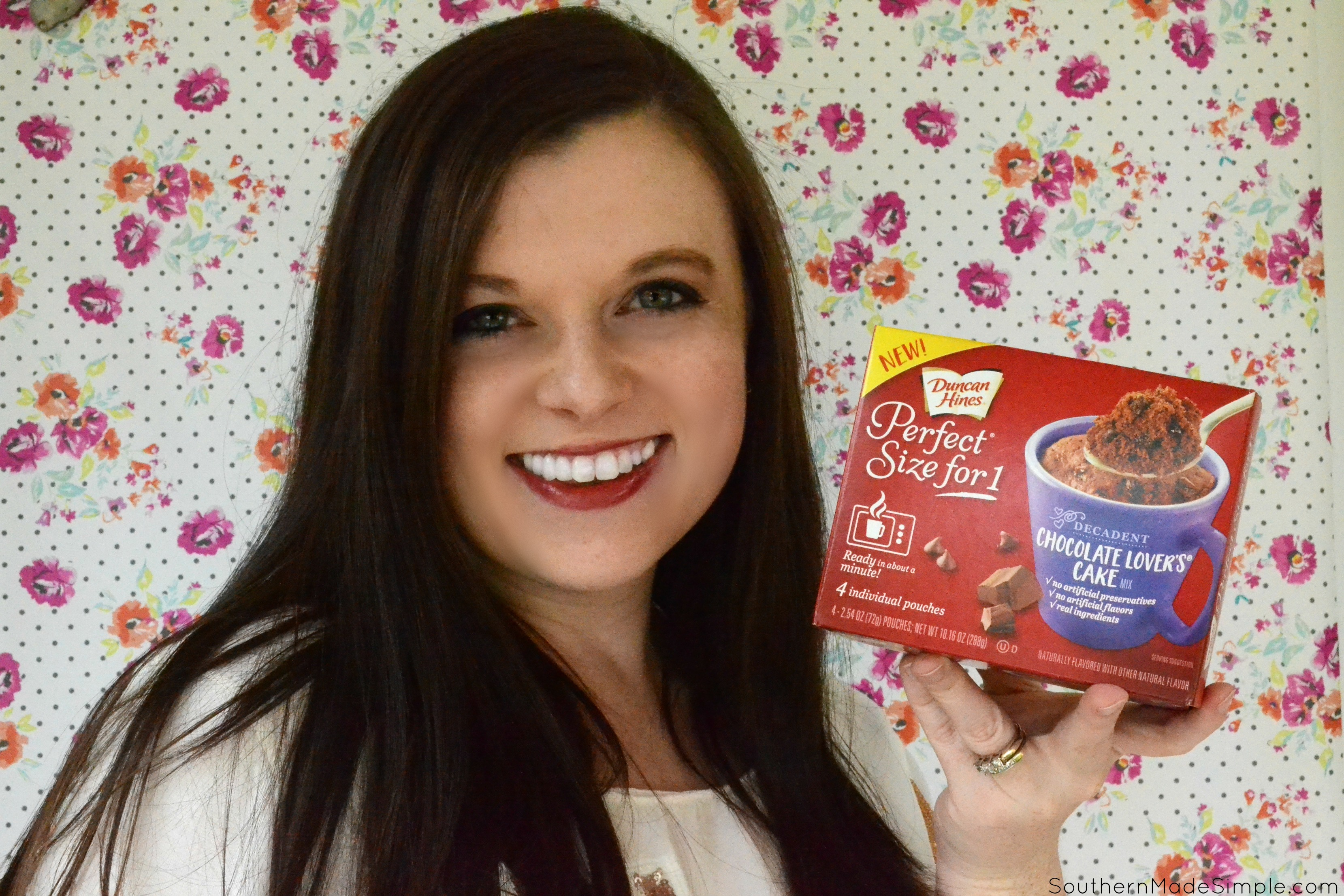 Have you ever wanted a warm, rich and decadent dessert but you only wanted just enough for you? Now you can have your cake and eat it, too, with Duncan Hines Perfect Size for 1. All you need is a mug, some water, and about a minute! #PerfectSizefor1 #ad