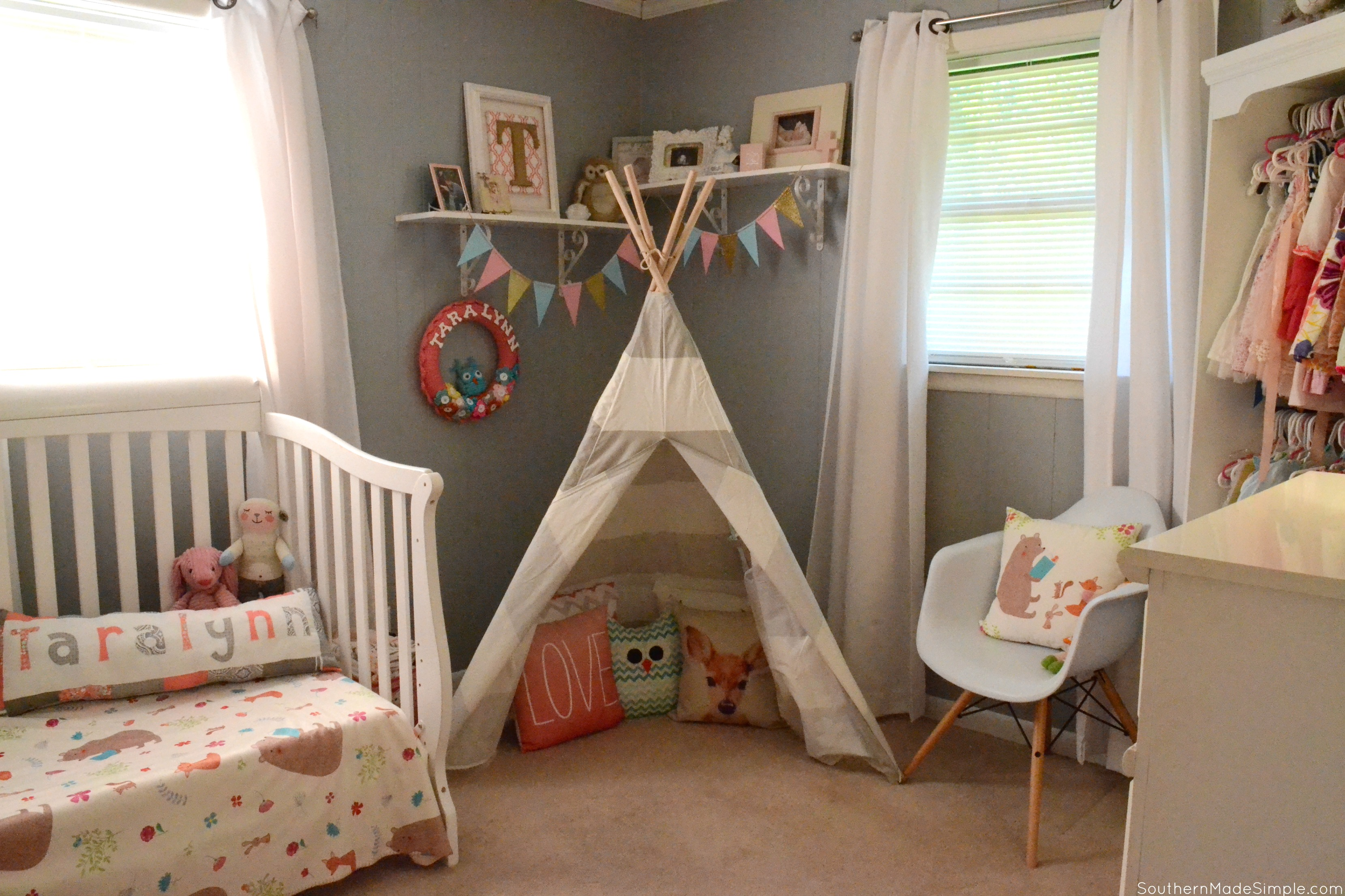 Big Girl Bedroom Reveal: Summer Storytime Simplicity #mouseandmagpie AD