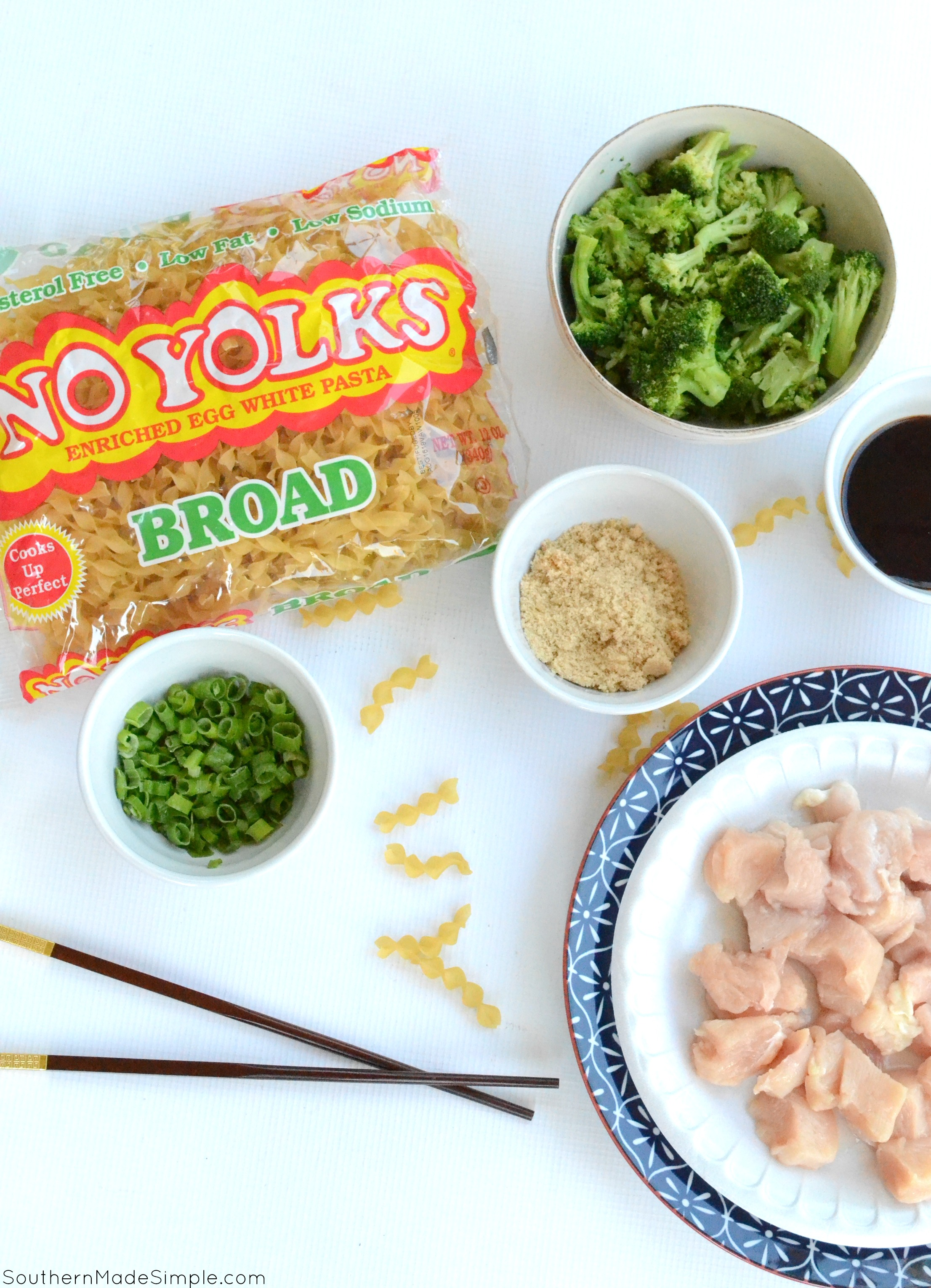 These quick-fix chicken teriyaki bowls are the perfect weeknight meal to satisfy your chinese food takeout craving, but taste WAY better AND are made with delicious No Yolk noodles! #NoYolks #IC #NoOtherNoodle #ad