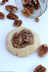 AD During the busy holiday season, spread a little cheer with these delicious Southern Pecan Pie Cookies made with Bob;s Red Mill Flour! #Bakesgiving