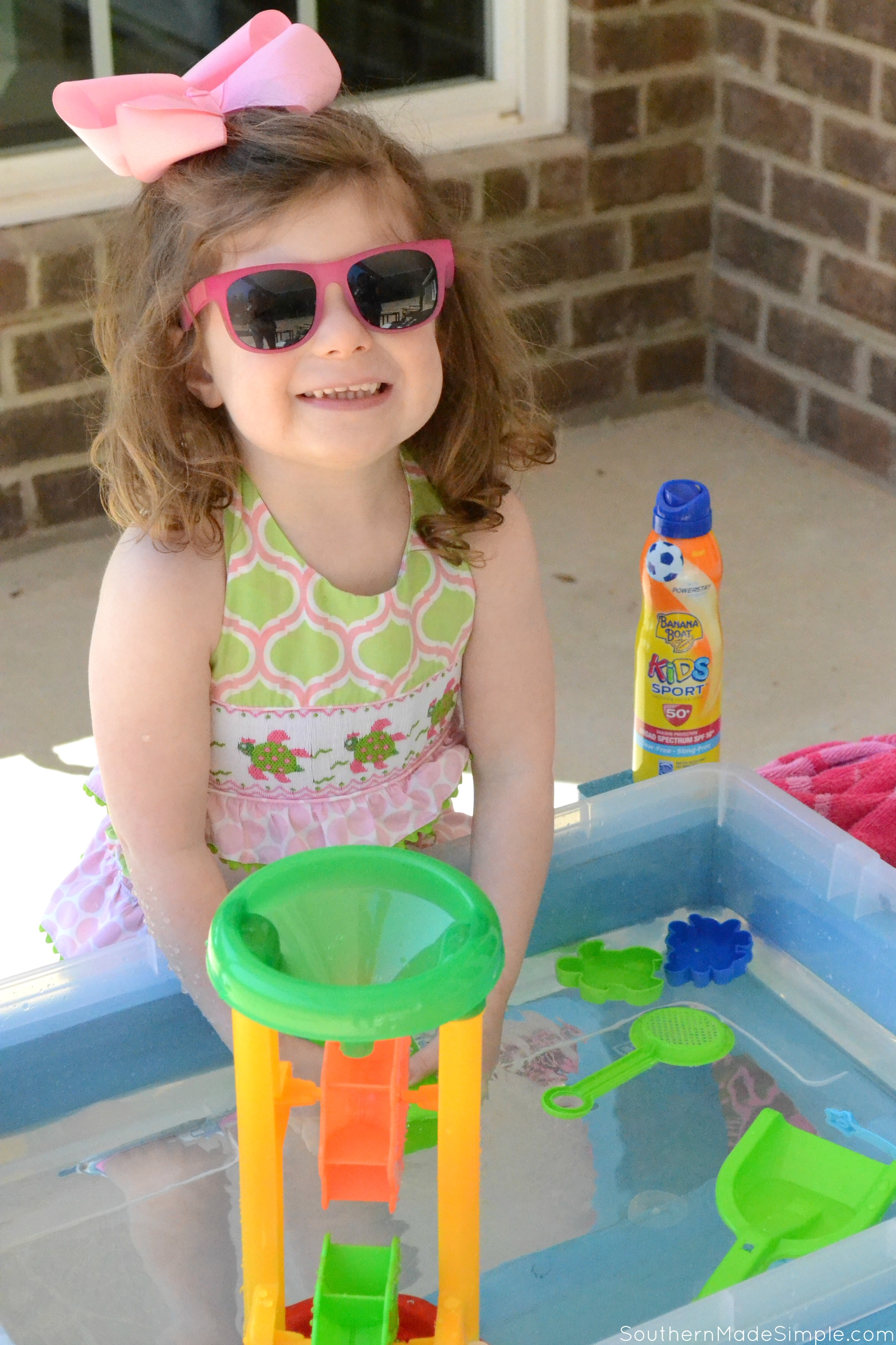 As the days start getting warmer, we're starting to get outside and enjoy the sunshine! This DIY Water Activity Table is a great way to keep little ones entertained, and it costs less than $30! Don't forget the• Banana Boat® Kids Sport Sunscreen Lotion Spray with PowerStay™ Technology so you can play outdoors even longer! #ad #BBRealFun