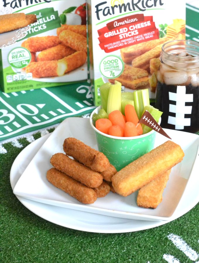 DIY Game Day Place Mat + Homegating Tips & GIVEAWAY!
