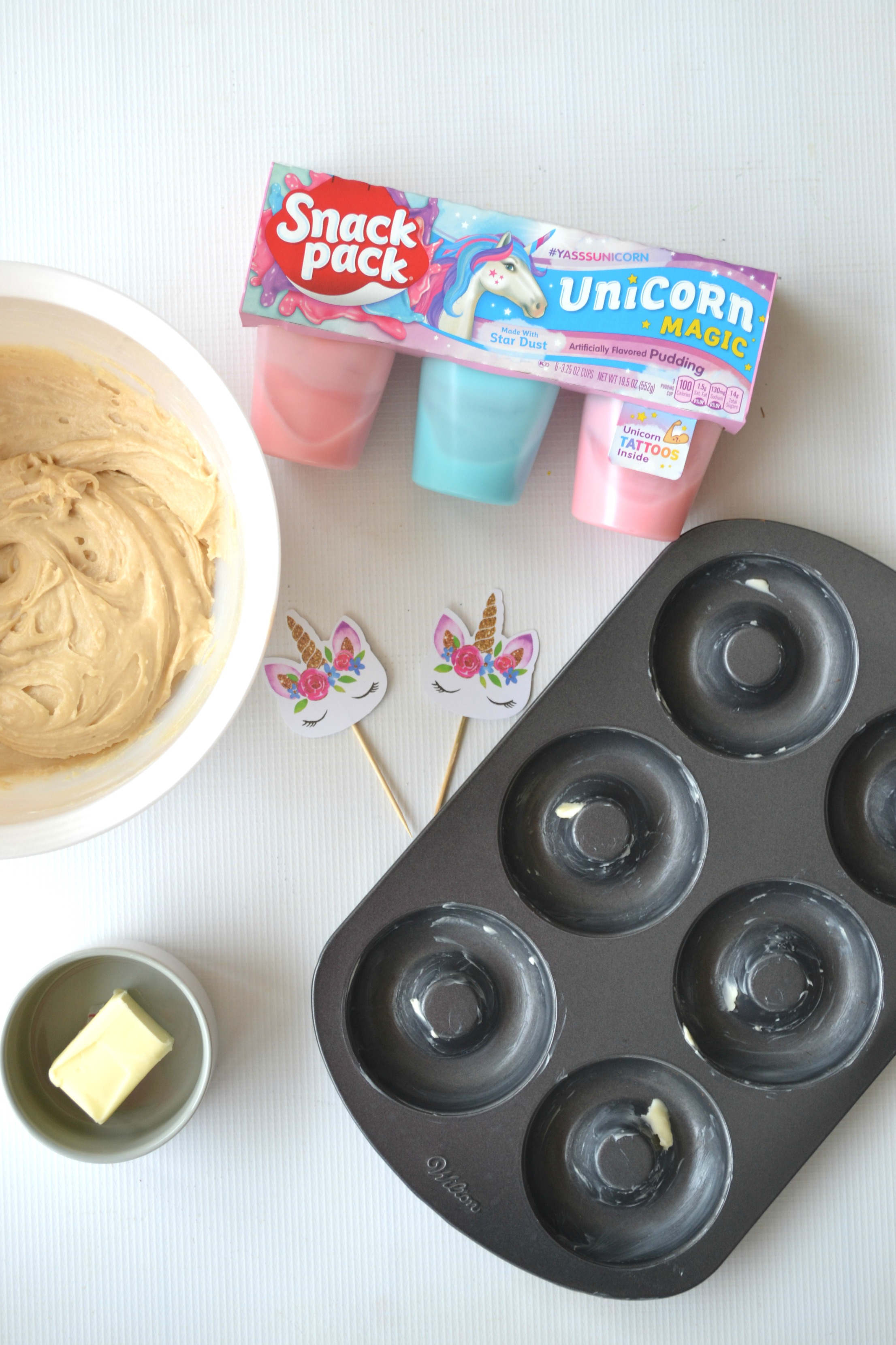 Enchanted Unicorn Doughnuts - a spectacularly sweet treat to pair with Unicorn Snack Packs to spark a little mystical and magical fun into anyone's day! #UnicornSnackPack #YasssUnicorn #UnicornMagic #ad