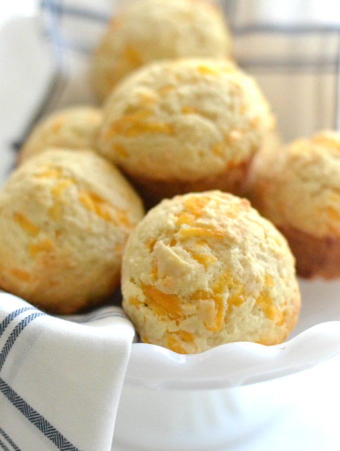 Copycat Jim 'N Nick's Cheddar Biscuits