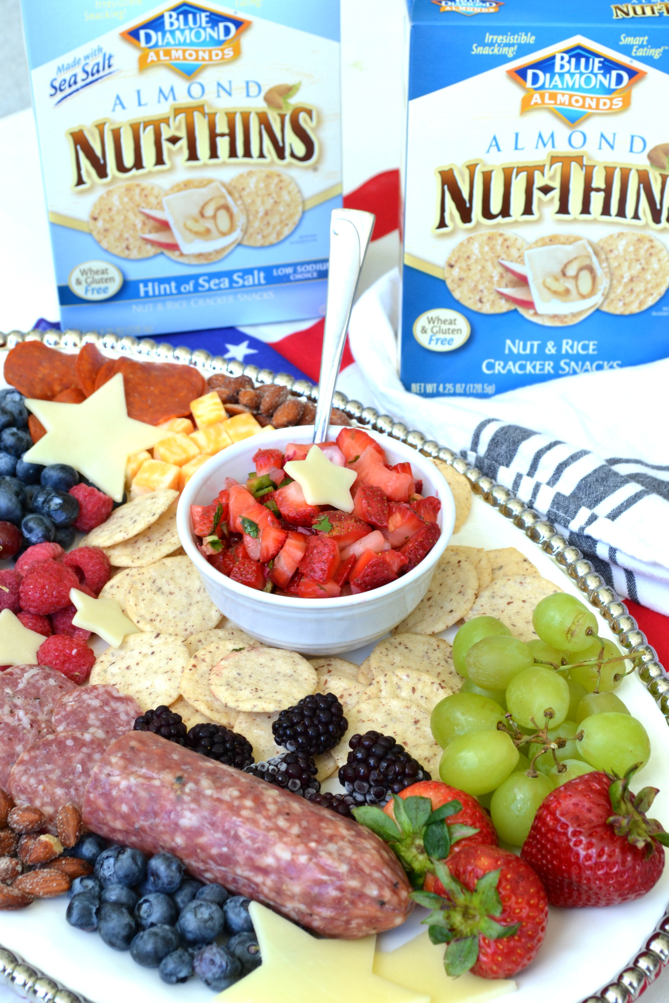 The Ultimate Summer Charcuterie Board #BlueDiamond #NutThins2Win #BD #CraveVictoriously #SummerCrave
