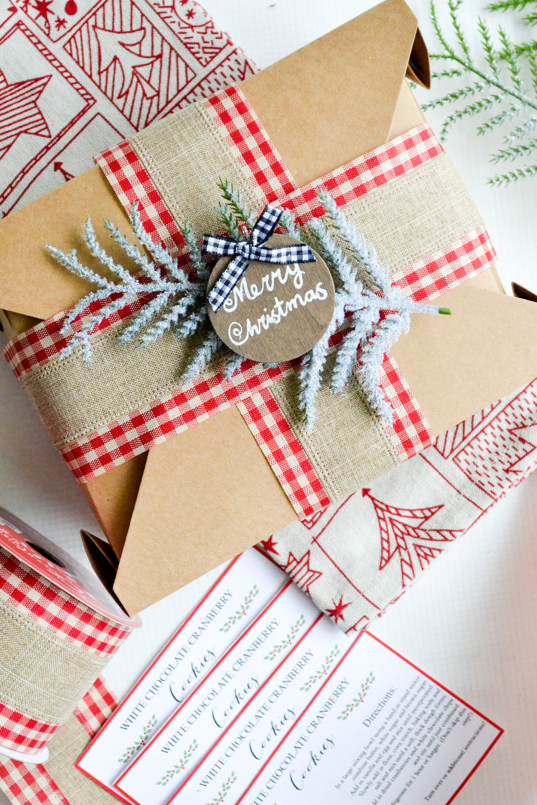 DIY Holiday Cookie Exchange Boxes